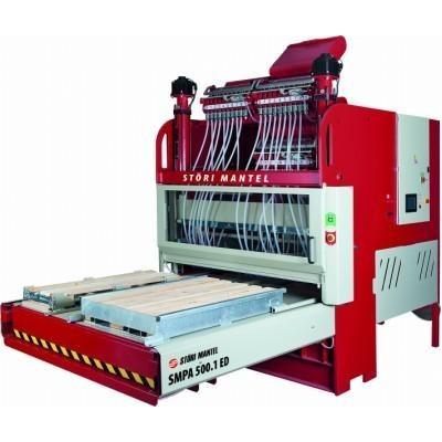 Masina automata de asamblat paleti